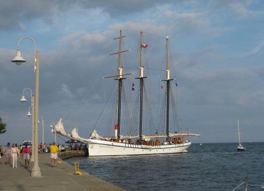 tall-ship-2686732_1920